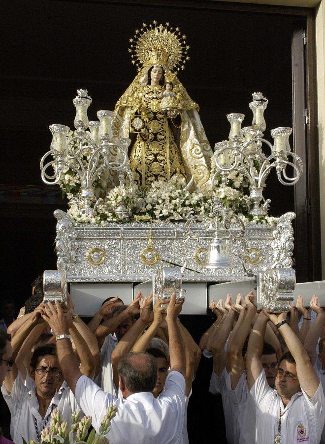 Salida procesional de Ntra. Sra. del Carmen Coronada, Patrona de Estepona.