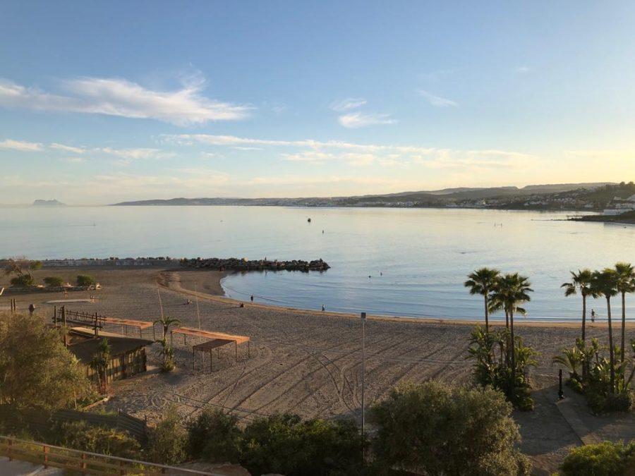 Playa del Cristo, premiada con la Bandera Azul 2020.