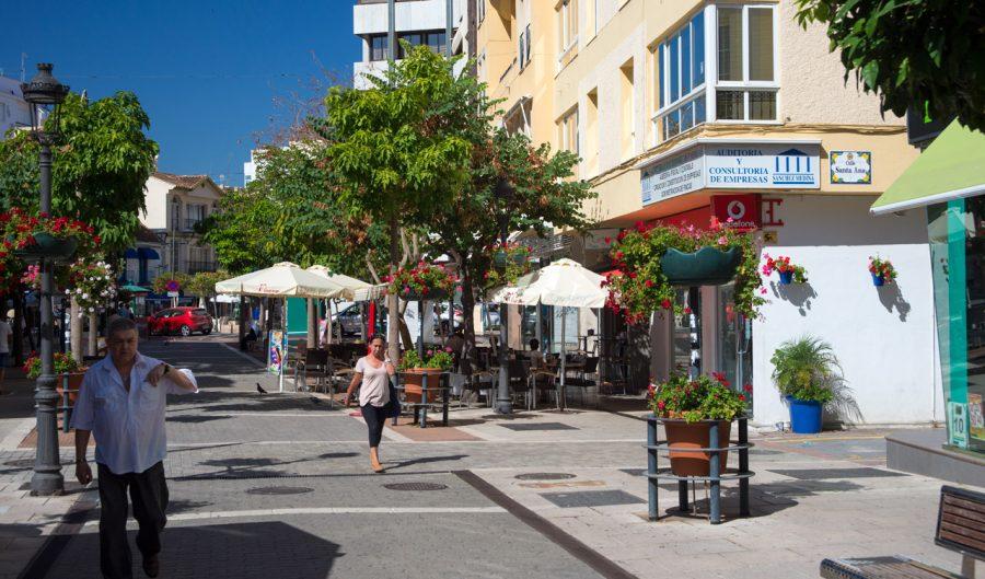 Calle Real, en Estepona.