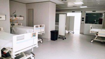 El hospital Costa del Sol reduce las operaciones para contar con más camas para Covid