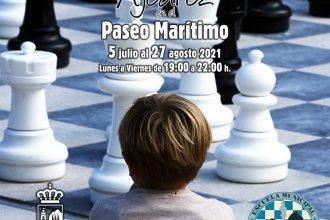 ajedrez paseo marítimo Estepona verano 2021 julio agosto