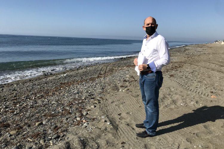 Manuel Osorio, en las playas de San Pedro.