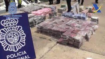 25 detenidos tras incautar 1 tonelada de 'coca' en un velero abordado en medio del Atlántico