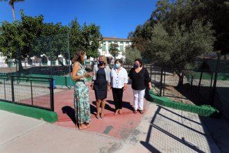 Visita de la alcaldesa al CEIP José Banús de Nueva Andalucía.